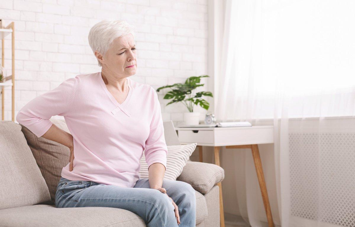 Lombalgia (mal di schiena): perché utilizzare un corsetto steccato?